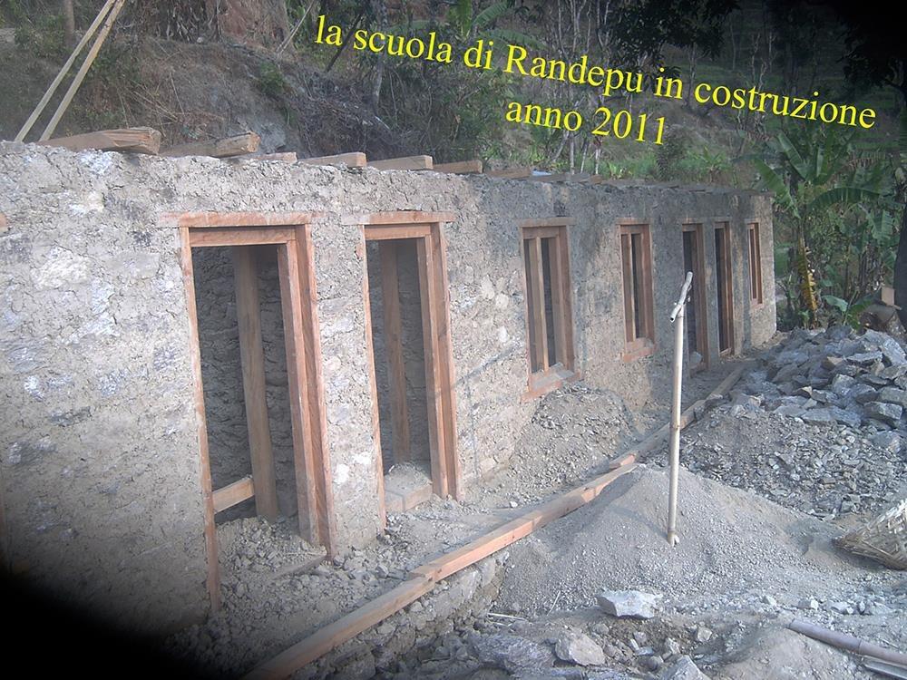 Costruzione scuola a Randepu