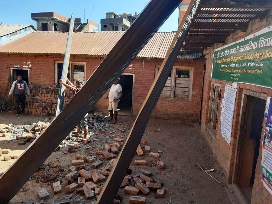 Bhagawati-School-demolizione1