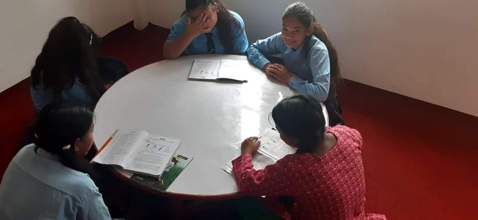 Lezione Bhagawati School