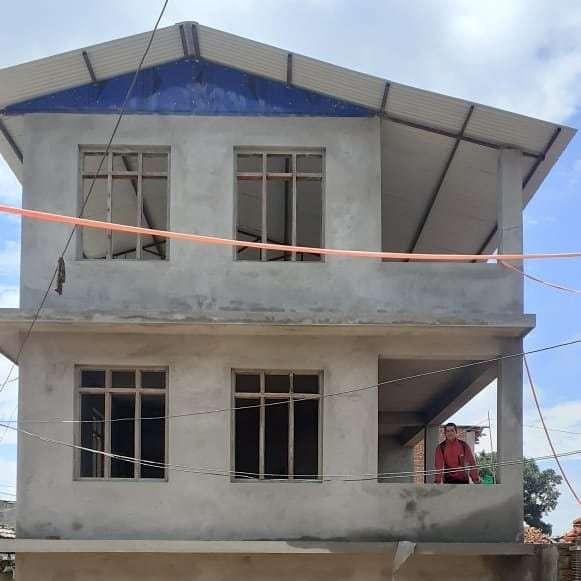 L'edificio è interamente intonacato - Bhagawati School