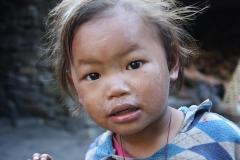 Bambina curiosa CiaoNamastè Nepal