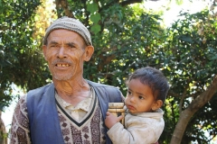 Bambino in braccio CiaoNamastè Nepal